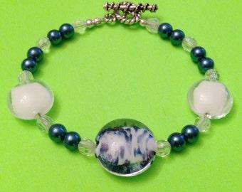 Handmade Blue/White/Clear Glass  Bead  Bracelet