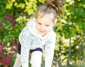 Organic longsleeves hoodie for kids,  animal print, white and blue, jersey, organic shirt