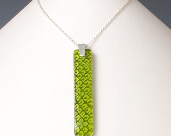 Lime Green Necklace, Green Fused Glass Necklace, Lime Statement Pendant, Snakeskin Pattern Nature Necklace, Pantone 2017 Greenery Pendant