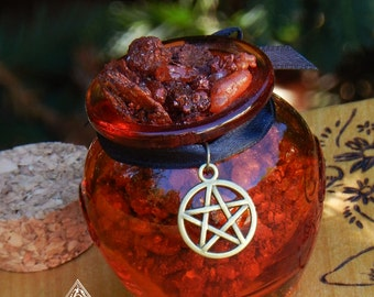 Witches of Samhain . Honey Heartwood Resin Pot .