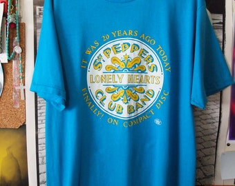 THE BEATLES Shirt // Make An Offer // Vintage 80s Extremely Rare Sgt. Pepper Lonely Hearts Club Band Compact Disc 1980s Promo Tshirt, XL
