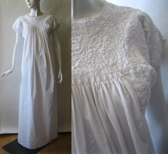 Beautiful traditional Mexican dress, crisp white cotton richly embroidered with flowers, lace trimmed, long length, small / medium (4 - 8)