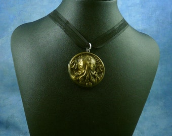 Antique Gold Small Cthulhu Cameo Necklace, Polymer Clay Lovecraft Jewelry