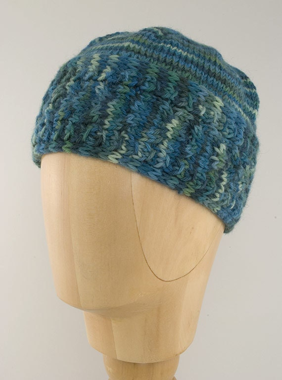 Horseshoe Cable Hat Knitting Pattern PDF