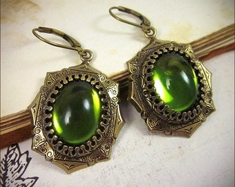 Medieval Earrings, Green Earrings, Olive, Tudor Earrings, Renaissance Jewelry, Medieval Jewelry, Tudor Costume, MedCol