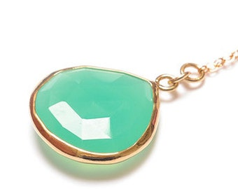 SALE Apple Chrysoprase Gold necklace