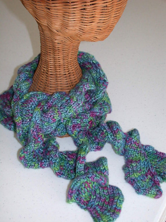 Pattern Curly Knitted Scarf