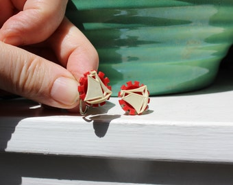Sailboat Earrings Screw on Plastic Red White VINTAGE by Plantdreaming