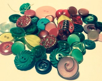 Supplies - Huge Vintage Button Mix - Reds, Pinks, Greens and Yellows - Awesome Mix