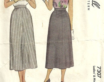 McCall 7307 / Vintage 40s Sewing Pattern / Skirt Waist 30