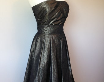 Gorgeous Two Piece ALFRED SUNG / Cocktail Party Evening Outfit / In A Metallic Gold Black Color
