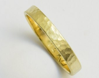 Women's Wedding Band hammered gold men's Wedding Ring 3mm wide