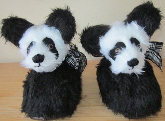 Ladies  Panda Slippers-Novelty Gift- Black and White-Soft Furry Plush- Poodle Fur lined-Ladies Size 6-7-Xmas-Birthday-Easter-All Year Gifts