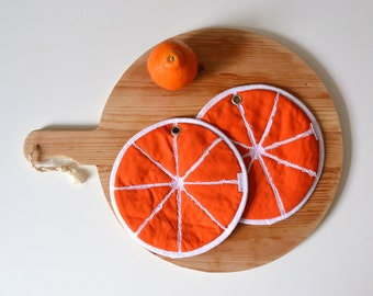 orange slice set of potholders - round orange fabric potholders - orange kitchen potholders - citrus orange - fruit potholders - foodie gift
