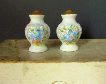 Vintage Salt and Pepper Shakers, White Porcelain Hand Painted , Blue Flowers, Gold Leaf Tops, 1950's, Shabby Chic