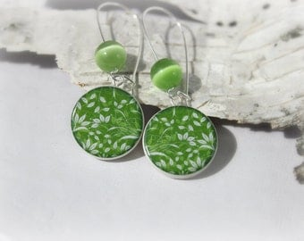 Green And White Leaf Floral Pattern,Polymer Clay Earring With Green Cat's Eye Beads