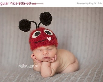 Ladybug hat.. baby hat... newborn hat... ladybug .. photo prop... photography prop...25% off at checkout with code AUGUST1