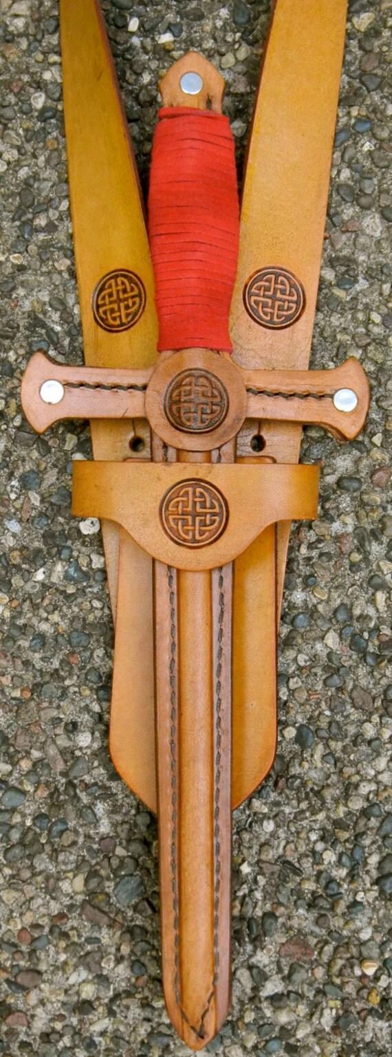 DAGGER & sword BELT SET w/ Celtic Knot Emblem - Handmade Leather