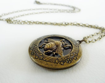 Locket, Antiqued Brass Pendant with a beautiful detailed vintage Bee