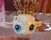 Littlest Pet Shop lamb with crown ring