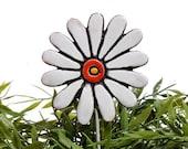 Flower garden art - plant stake - garden decor - flower ornament  - ceramic flower - daisy - white