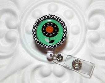 Retractable Badge Holder Bottlecap ID Badge Reel Teacher Lanyard Flower Green