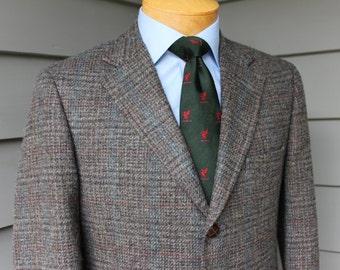 vintage 1980's -ORVIS- Men's Tweed sport coat. Prince of Wales plaid. 3 button - Natural shoulder. Wool. Size 38 Regular
