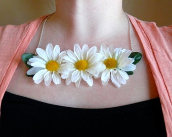 Daisy Necklace - Floral Statement Necklace