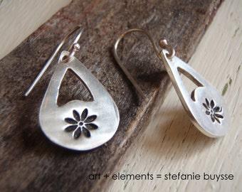 """ARTisan Made """"Daisy Celebration"""" Earrings - Sterling Silver - OOAK"""