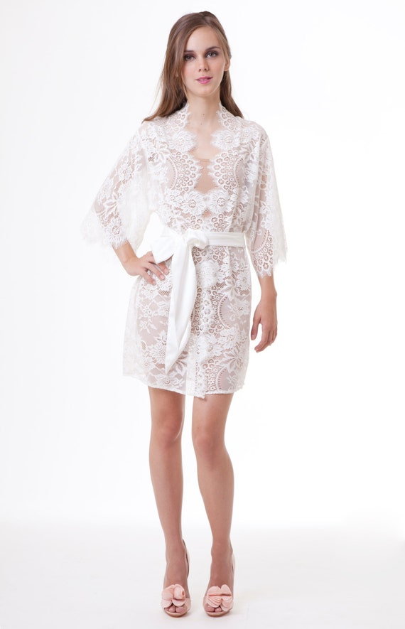 Ready to ship - Swan Queen Bridal Scalloped French Lace Getting Ready Kimono Robe ivory off white
