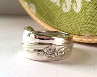 Spoon Ring, size 11, Meadow Flower 1940