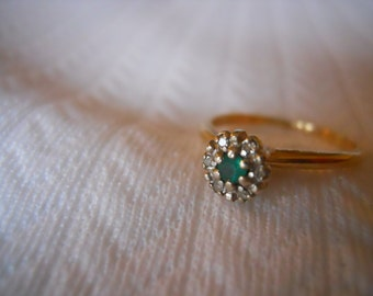 Estate 14KT Yellow Gold Ring with Diamonds and Emerald  Engagement Size 7 1/4