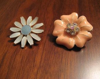Vintage enamel floral brooches.  Lot.  Daisy.  Rhinestones.