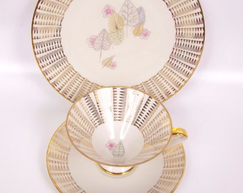 Vintage Bavaria Teacup Set Elfenbein Porzellan 3 pc Teacup Saucer Plate Ivory and Gold Floral Leaf Design (1935-1950)