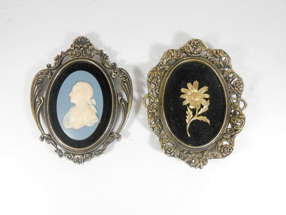 Ornate Framed Wall Art Set Baroque Hollywood Regency Cameo
