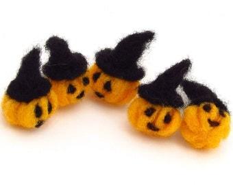 Witch pumpkins, 5 felt halloween pumpkin decorations, felted orange pumpkins with witch hats