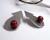 burgundy arrow geometric post earrings with red lampwork glass beads - amabito