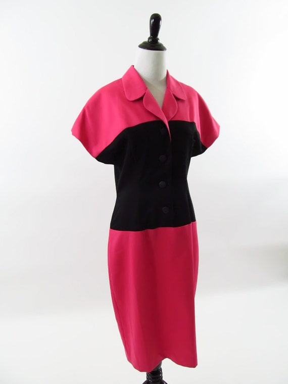 CLEARANCE//1980s Vintage Hot Pink and Black Professional button up mid length  Dress