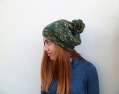 Free shipping // Thick cable knit green beanie with pom pom // Warm winter hat // Hand knitted // Toque with pom pom // Women accessories