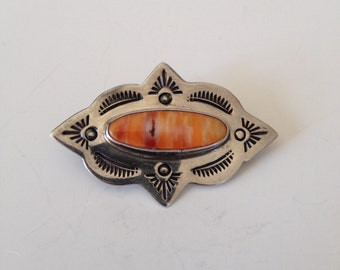Vintage Southwestern Sterling Silver Pin/Brooch with Coral