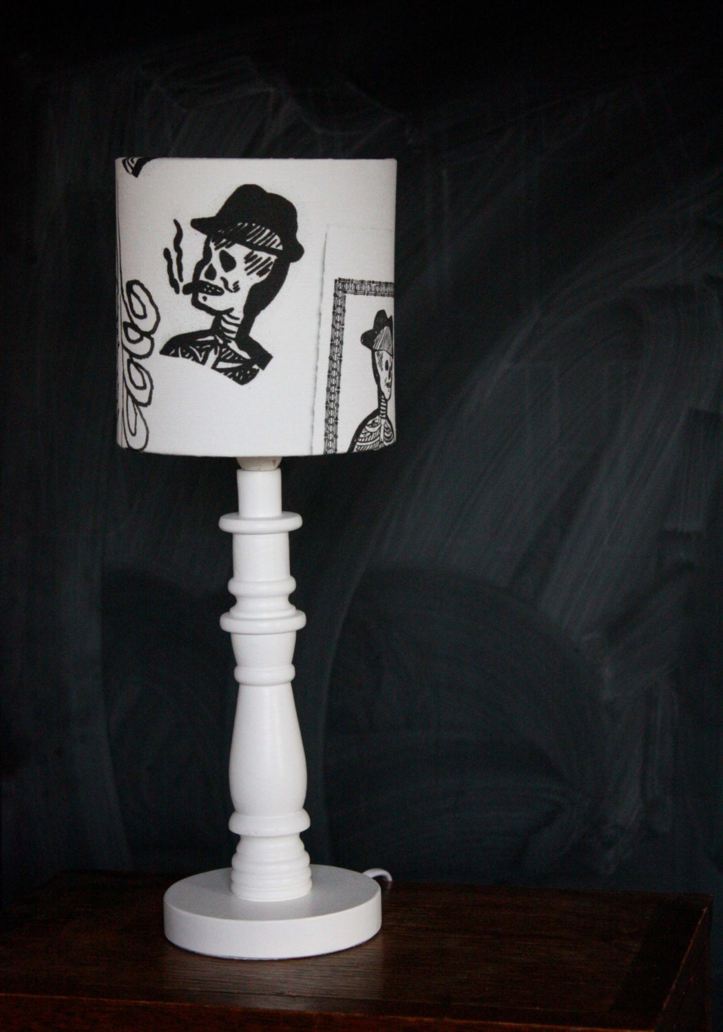 skull lamp shade table small bedroom lampshade skulls skeleton. Black Bedroom Furniture Sets. Home Design Ideas