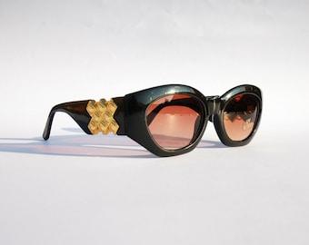 Vintage 90s Medusa Sunglasses / Oval Shades w Gold Tone Frame - NOS Dead Stock Hip Hop / Rave