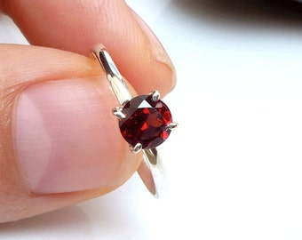 garnet ring january birthstone ring red garnet promise. Black Bedroom Furniture Sets. Home Design Ideas