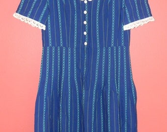 Vtg Vintage 50s 60s Blue Striped Eyelet Lace Trim Collar Front Metal Zipper Button Boho Indie Retro S M Small Medium 32 inch Day Dress Frock