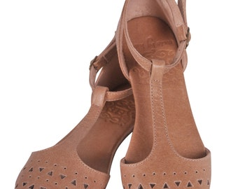 MOZAIC. Bohemian shoes / t-strap shoes / womens shoes / leather ballet flats / flat shoes / boho. Available in different leather colors.