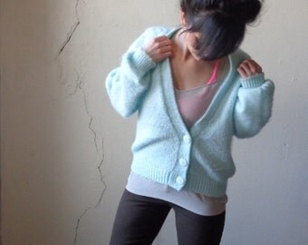 pale blue cardigan/ baggy cardigan sweater// m