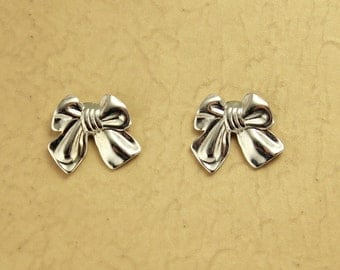 Magnetic Silver Tied Gift Bow Earrings