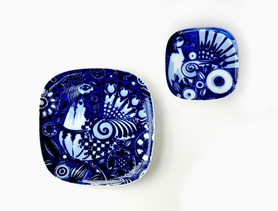 bj rn wiinblad peacock pattern set of two wall plates studio line