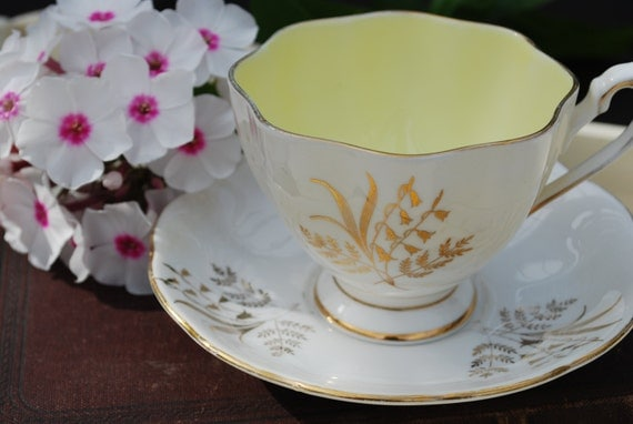 QUEEN ANNE Vintage Bone China Tea Cup and Saucer made in England, Gold Design with Yellow interior, Vintage Tea Party