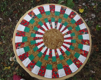 """Handmade 18"""" Quilted Christmas Decoration Table Topper Centerpiece Medallion Wallhanging"""